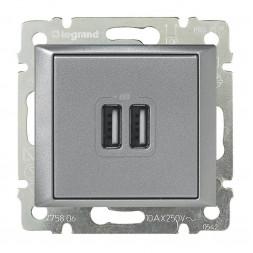 Розетка USB двойная Legrand Valena 240V/5V 2400mA алюминий 770270