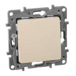 Выключатель кнопочный одноклавишный Legrand Etika 6A 250V слоновая кость 672314
