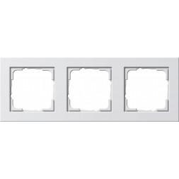 Рамка 3-постовая Gira E2 чисто-белый глянцевый 021329