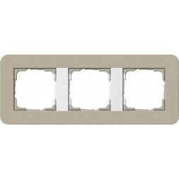 Рамка 3-постовая Gira E3 серо-бежевый/белый глянцевый 0213418